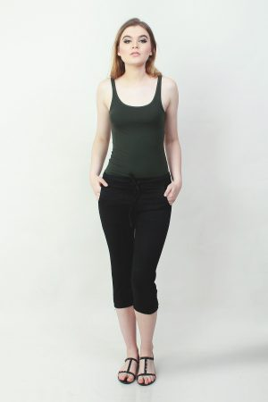 7per8 Joggers Sateen Black (pose)