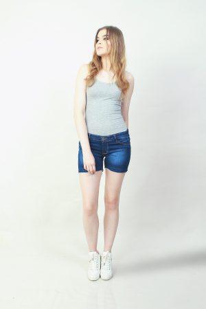 Hotpants Frayed Classic Blue (pose)