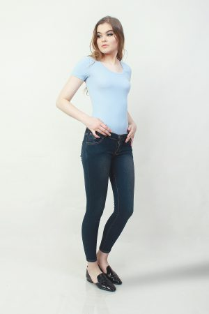 Skinny Sateen Cedar (pose)
