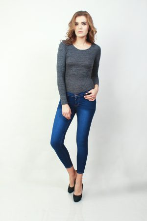 Skinny Sateen Classic Blue (pose)
