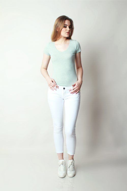 Skinny Sateen Snow White (pose)
