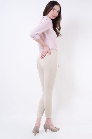 Ivory pose