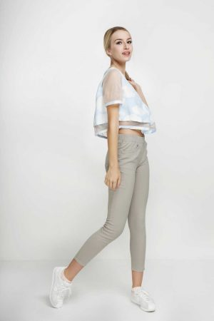 Jeggings-Khaki-Blonde-(pose)