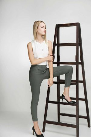 Jeggings-Khaki-Olive-(pose)
