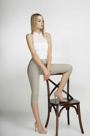 7per8-Jeggings-Khaki-Blonde-(pose)