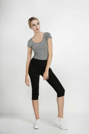 7per8-Jeggings-Khaki-Super-Black-(pose)