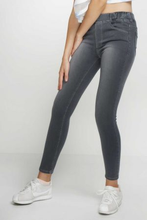 Jegging-Sateen-Charcoal-(pose)