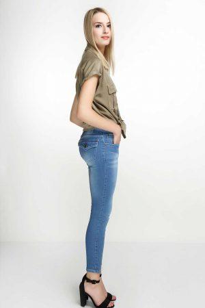 Skinny-Flap-Pocket-Deep-Sky-Blue-(pose)