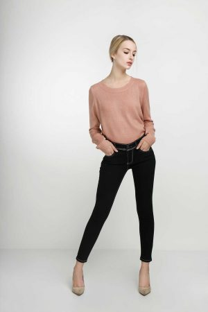 Skinny-Flap-Pocket-Super-Black-(pose)