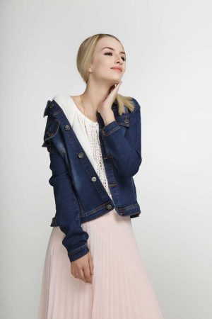 Stretchy-Denim-Jacket-Navy-Spray-(pose)